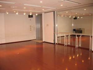 『楽しいダンス仲間集まれ! ~スタジオ無料開放デー~』 のサムネイル画像1