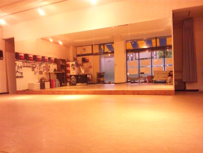 PHILL DANCE STUDIO画像1